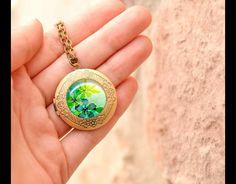 Floral locket necklace Super sweet gift  Blumen Medaillon kette Super-süßes Geschenk
