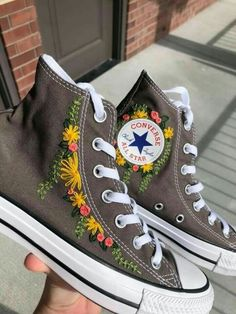 Dr Shoes, Swag Shoes, Hype Shoes, Me Too Shoes, Mode Converse, Converse Shoes, Women's Converse, Cute Embroidery, Aesthetic Shoes