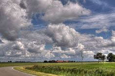 Hollandse lucht. Reminds me of my home state of Kansas. Beautiful!