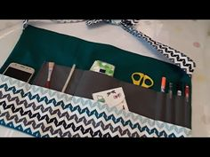 Tuto tablier maîtresse ou multifonctions - YouTube Diy Couture Cadeau, Teacher Apron, Coin Couture, School Tool, Refashion, Diy Clothes, Christmas Crafts, Sewing, Cycle 3
