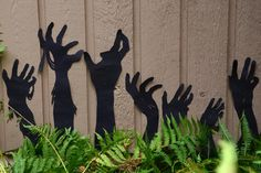 Decorate your home and yard this Halloween with simple and elegant garden silhouettes.