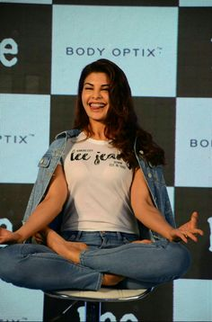 Bollywood actress Jacqueline Fernandez at Press Conference for Lee Jeans - Photos. The diva is the perfect ambassador for the brand's casual, edgy look and Indian Actress Hot Pics, Most Beautiful Indian Actress, Beautiful Actresses, Indian Actresses, Bollywood Actress Hot, Bollywood Stars, Bollywood Celebrities, Jennifer Winget Beyhadh, Cute Girl Poses