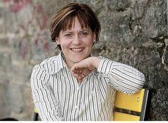 Elisabeth Lerchner.    Assistentin der Geschäftsführung.  Elisabeth ist bereits seit 20 Jahren im Hochschoberteam mit dabei und unterstützt die Geschäftsführung vor allem in den Bereichen Marketing und Controlling.