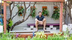 How to make a vertical garden out of your clay terra cotta pots: a DIY tutorial.