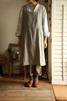 Linen pinafore dress over striped shirt : veritecouer