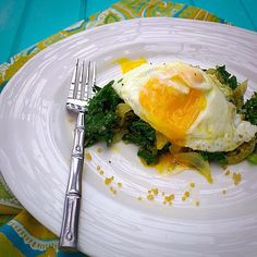 gastropost:  From Gastroposter Sara Verk:  Sautéed kale, onions and quinoa topped with an egg - I call this my BLD meal - breakfast lunch or dinner  Sauté thinly sliced onion and chopped kale in 1tsp butter and 1 tsp olive oil until slightly wilted. Add1/2 cup cooked quinoa and mix together. Season with sea salt and black pepper. Top that with a soft egg.  That's it - a perfectly well balanced meal for B, L, or D