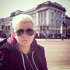 Queen E  #londres #london #uk #unitedkingdom #work #travel #4days #buckinghampalace #queen by seendy