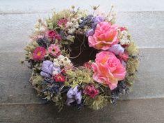 Růže v trní Romantický,celoroční,trochu pichlavý věnec,vel.zhruba 33cm