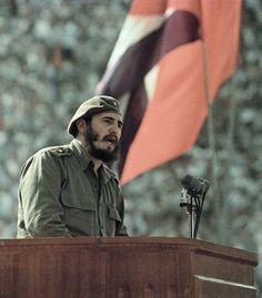 CULTURA, ESPORTE E POLÍTICA: 9 curiosidades que poucos sabem sobre Fidel Castro... Fidel Castro, Cuba Island, Viva Cuba, Communism, The Republic, Llamas, Mtg, Havana, Other People