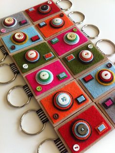 Cute camera felt keychains. - looks easy enough to make.