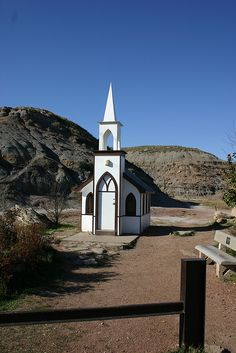 Country Church in Drumheller, Alberta, Canada . seats a congregation of O Canada, Alberta Canada, Canada Travel, Old Country Churches, Old Churches, Places To Travel, Places To Go, Church Pictures, Take Me To Church