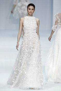 yourpersonalceremony.com: Elie Saab - imagine wearing this dress for your personalized wedding ceremony!