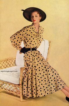 A charming long sleeved novelty print dress from Skinner, 1950. #vintage #1950s #fashion