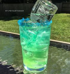 PATRON DEW ½ oz. (15 ml0 Island Punch Pucker ½ oz. (15 ml) Lemoncello 3 oz. (90 ml) Mountain Dew ½ oz. (15 ml) Lime Juice Mini Patron Bottle Instagram photo credit: @letsturnup Post your original recipe and photo on Instagram using #TipsyBartender...