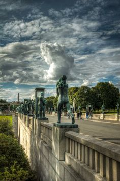 Vigelandsparken, Oslo, Norway This park is beautiful with life size statues all around Places To Travel, Places To See, Wonderful Places, Beautiful Places, Travel Around The World, Around The Worlds, Norway Oslo, Grand Parc, Beautiful Norway