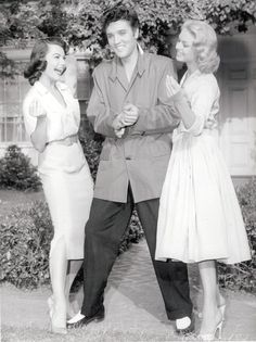 "{*Elvis & the ladies clowning around on set ov the movie ""Jailhouse Rock the young lady on the left Judy Tyler died in a car crash with her husband just days after filming this movie :( Elvis Could never come to watch this movie because of this, he was devastated*}"