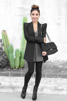 Black http://dulcecandy.com/2014/11/outfit-day-black.html