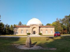 https://twitter.com/Dunlap_Obs/status/380485884333666306/photo/1 Historic Perkins Observatory.