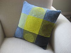 Ravelry: Squares That Look Round pattern by Steve Plummer Knitting Stitches, Knitting Designs, Knitting Projects, Hand Knitting, Knitting Patterns, Crochet Patterns, Knitting Squares, Felt Pillow, Crochet Pillow