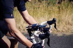 The Quad Lock® Bike Mount for iPhone 6/6S is the lightest, strongest and most…