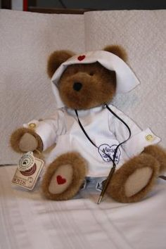 "2001 Boyd's 'Florence Nightenbear' nurse bear w/tag 12"" $20"