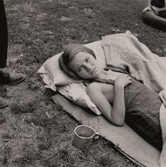 The History Place - Dorothea Lange Photo Gallery: Childhood Interrupted: Sick Migrant Child