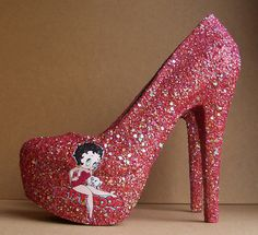 Show your love for Betty Boop by rockin pair of Betty Boop High Heels. Red glitter covers the entire shoe and sole, with the Betty Boop on the side Hot Shoes, Crazy Shoes, Me Too Shoes, Shoes Heels, Muses Shoes, Betty Boop Cartoon, Betty Boop Pictures, Black Betty, Favorite Cartoon Character