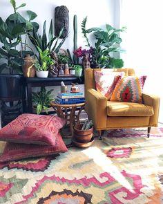 boho living room with plants Living Room Plants, Boho Living Room, Living Spaces, House Plants, Decoration Plante, Decoration Design, Room Inspiration, Interior Inspiration, Passion Deco