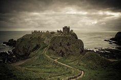Dunnottar Castle ist eine der dramatischsten Burgen von Schottland.