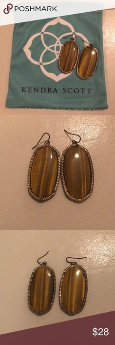 Kendra Scott Danielle Earrings - Tigers Eye KS Danielle Earrings (bigger size) in Tigers Eye Pretty brown/golden color Tarnishing around the edges, but looks natural with the gold color Condition is fine minus tarnishing Kendra Scott Jewelry Earrings
