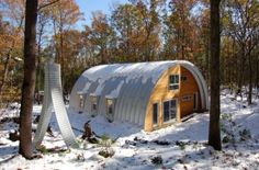 Quonset Hut House. Cute as a button and it would give me peace on earth.
