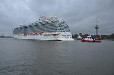 Het cruiseschip de Regal Princess heeft vrijdag Rotterdam aangedaan. Foto Jan van Heteren