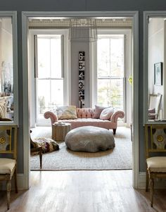 Pastels on the Living Area / Hilary Robertson's home