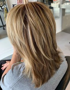 70 Best Variations of a Medium Shag Haircut for Your Distinctive Style - Medium Shag Haircut For Straight Hair - Medium Shaggy Hairstyles, Medium Layered Haircuts, Medium Hair Cuts, Straight Hairstyles, Medium Hair Styles, Haircut Medium, Long Hair Styles, Funky Hairstyles, Formal Hairstyles