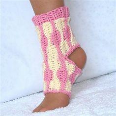 Yoga Socks Crochet Pattern Kids and Adults - Crochet Me ❥Teresa Restegui http://www.pinterest.com/teretegui/ ❥