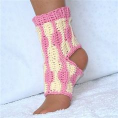 Yoga Socks Crochet Pattern Kids and Adults - Crochet Me ❥Teresa Restegui http://www.pinterest.com/teretegui/ ❥