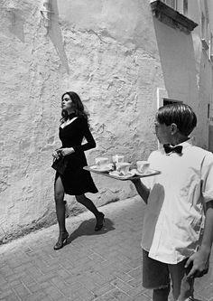 dolce-vita-lifestyle: ITALY. Benevento. 1995.Italian actress Maria-Grazia CUCINOTTA. La Dolce Vita