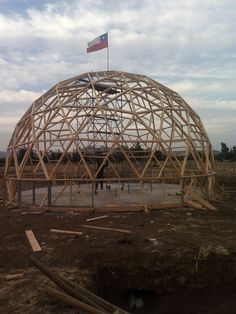 ARAUCARIA dome home structure raised at Polpaico, Chile, by www.hexadomos.cl