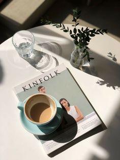Cream Aesthetic, Aesthetic Coffee, Classy Aesthetic, Aesthetic Food, Coffee And Books, Coffee Love, Coffee Break, Coffee Shop, Coffee Cups