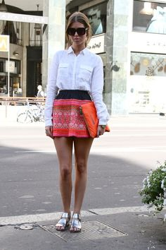 Colorful skirt & classic white button down. #Milan #StreetStyle #AdeaEveryday