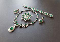https://www.etsy.com/listing/209667085/kramer-ny-emerald-rhinestone-parure?ref=shop_home_feat_1  KRAMER NY Emerald Rhinestone Parure { Green Necklace Bracelet Earrings Brooch Bridal Jewelry Vintage Signed Runway Diamante 1950s 50s Set}