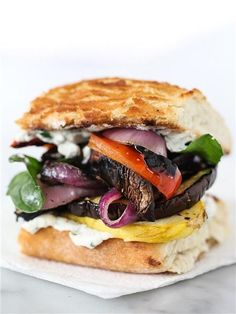 Grilled Vegetable Sandwich with Herbed Ricotta burgers, burger, sandwich, sandwiches Grilled Vegetable Sandwich, Grilled Vegetable Recipes, Chicken Sandwich Recipes, Grilled Vegetables, Vegetarian Recipes, Cooking Recipes, Healthy Recipes, Vegetarian Lunch, Healthy Lunches
