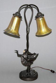 Tischlampe im Tiffany-Stil mit Lilien-Schirmen, moderne Nachfertigung Schaft aus bronziertem Metallg 140 euro