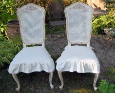 Thrift Store Frenchy Chairs painted and slipcovered Repurposed Furniture, Furniture Decor, Painted Furniture, Shabby Chic Homes, Shabby Chic Decor, Furniture Slipcovers, French Chairs, Chair Makeover, Furniture Restoration