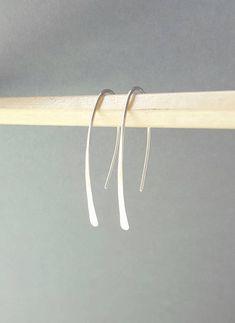 Argentium zilveren oorbellen, kleine fijne Stick-oorbellen van zilver Sterling silver, 3cm dangle earrings, gehamerd Drop Oorbellen. Deze eenvoudige Argentium zilveren drop oorbellen zal gaan met iets, gemaakt van solide Argentium sterling zilver en hand gesmeed uit een lengte van