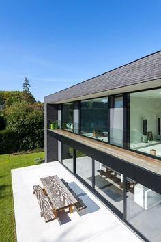 Kiwi Cottage: Cozy and Modern – Bart to SF in a Jiff!: 2019 Room … Modern Luxury W/Pool, Walk to Water Architecture, Minimalist Architecture, Architecture Design, Dream Home Design, Modern House Design, Future House, Upside Down House, Facade House, Building A House