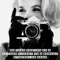 Marilyn Monroe with a Nikon camera by Bert Stern Fotos Marilyn Monroe, Marylin Monroe, Bert Stern, Joe Dimaggio, Gabriel, Divas, Por Tras Das Cameras, Dslr Photography Tips, Learn Photography