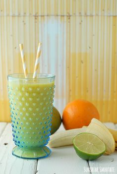 Healthy Breakfast Smoothie Recipes: Sunshine Smoothie via Boulder Locavore