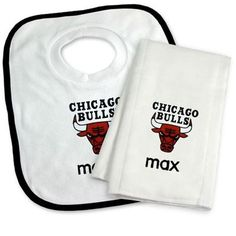 5c2ac77ccab Our officially licensed Personalized Chicago Bulls Bib and Burp Cloth Set  is an excellent gift for