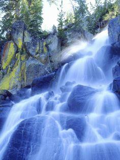 """Waterfall Cascades Past Lichen-Covered Rocks, Sierra Nevada Mountains, California, USA""=>"